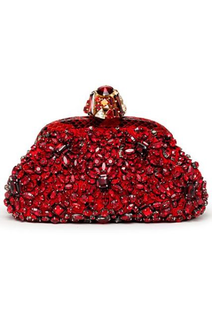 Picture Of gorgeous and bold clutches for valentines day  24