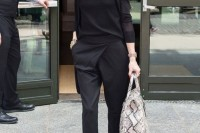 how-to-rock-the-cutout-shoulders-trend-15-chic-looks-to-get-inspired-12