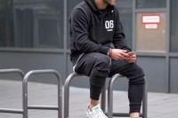sexy-and-comfy-men-workout-outfits-13