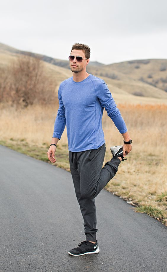 For the gym or at home, let Lands' End outfit you in style. Our activewear, including men's sports pants and shirts, offers something for everyone.