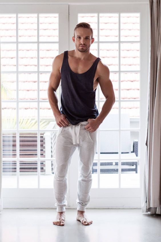 20 Sexy And Comfy Men Workout Outfits - Styleoholic
