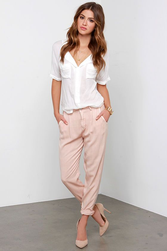 a white shirt, pink baggy pants, nude shoes is a timeless casual look for any day