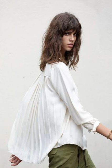Romantic Pleated Blouse Ideas For Spring