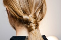 17-trendy-braids-from-2016-fashion-week-to-recreate-10