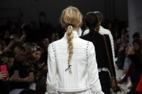 17-trendy-braids-from-2016-fashion-week-to-recreate-8