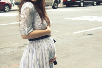25-pretty-maternity-dresses-you-want-to-live-all-pregnancy-in-and-after-15