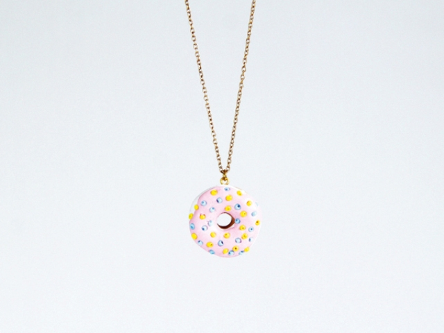 Funny DIY Donut Necklace To Make