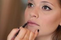 Gorgeous DIY 1950s Makeup 8