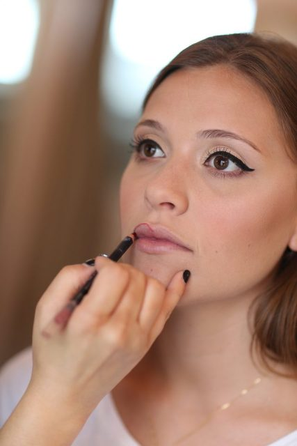 Picture Of Gorgeous DIY 1950s Makeup 8