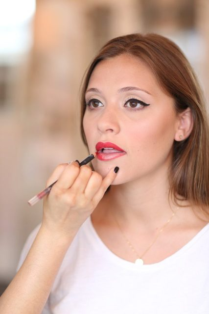 Picture Of Gorgeous DIY 1950s Makeup 9