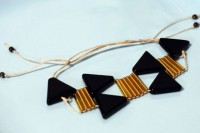 Unusual DIY Triangle Bead Bracelet 2