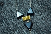 Unusual DIY Triangle Bead Bracelet 5