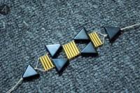 Unusual DIY Triangle Bead Bracelet 7