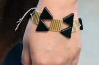 Unusual DIY Triangle Bead Bracelet 9