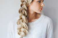 cute-and-easy-first-date-hairstyle-ideas-15