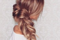 cute-and-easy-first-date-hairstyle-ideas-20