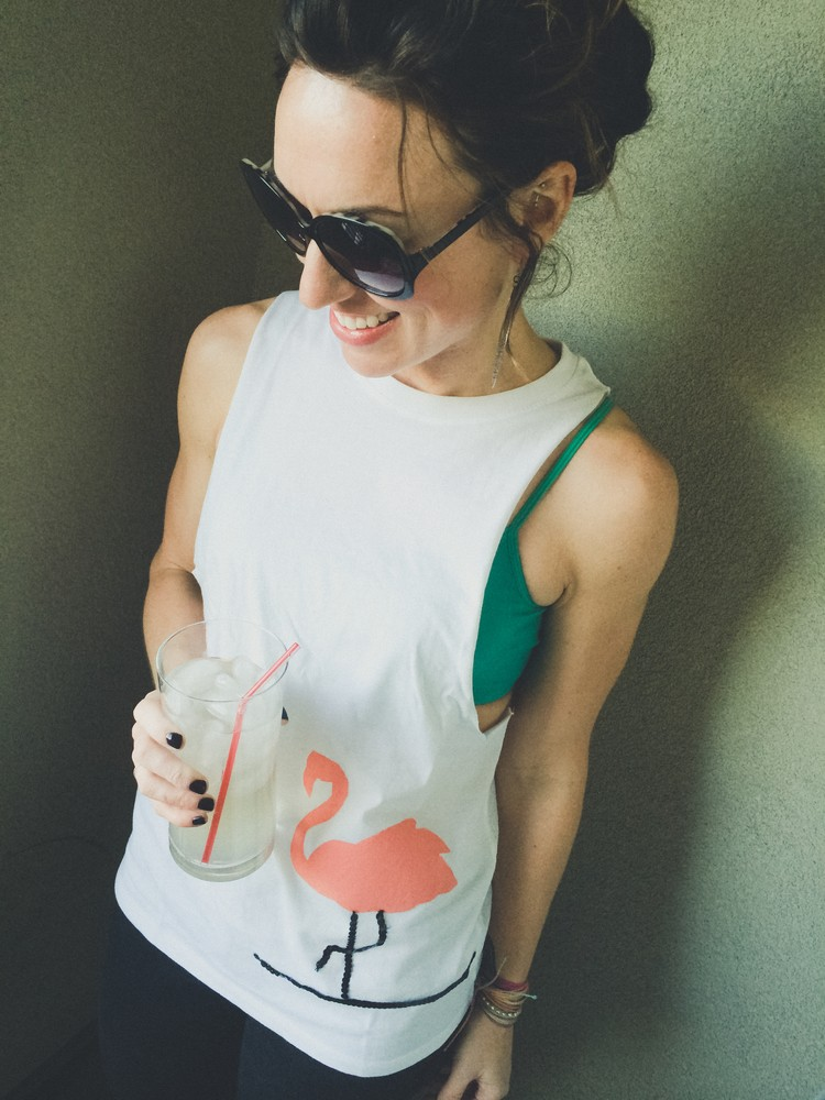 Cute And Fun DIY Flamingo Tank For Spring