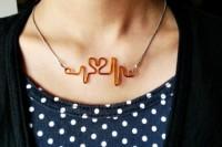 romantic-diy-heart-beat-necklace-1