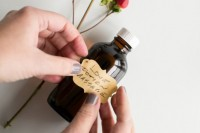 romantic-diy-massage-oil-to-make-3