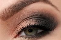 sexy-diy-sultry-smokey-eye-makeup-1