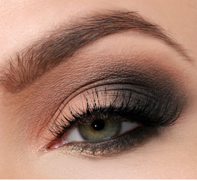sexy diy sultry smokey eye makeup styleoholic. Black Bedroom Furniture Sets. Home Design Ideas
