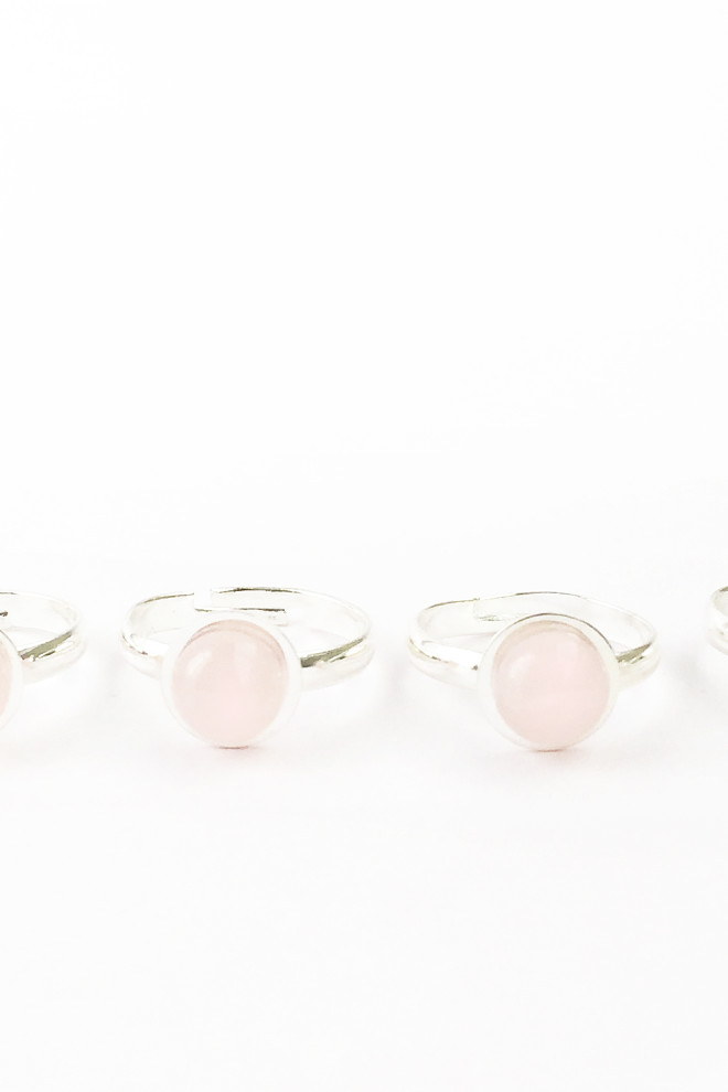 Super Trendy DIY Rose Quartz Ring
