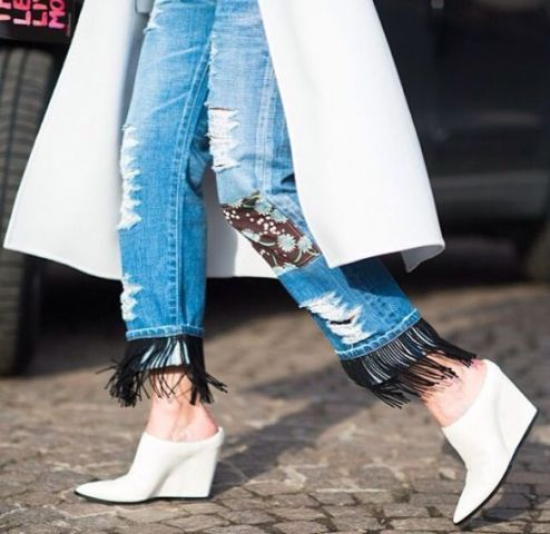 Picture Of Fashionable Fringed Jeans Ideas For This Season 11