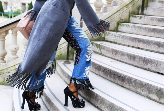 Picture Of Fashionable Fringed Jeans Ideas For This Season 4