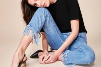 18 Fashionable Fringed Jeans Ideas For This Season 9