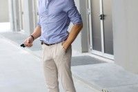 a blue printed summer shirt, neutral pants, brown moccasins for a relaxed and simple summer look
