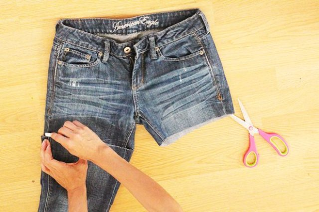 Picture Of Comfy DIY Distressed Jean Shorts For Summer 4