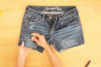 Comfy DIY Distressed Jean Shorts For Summer 6