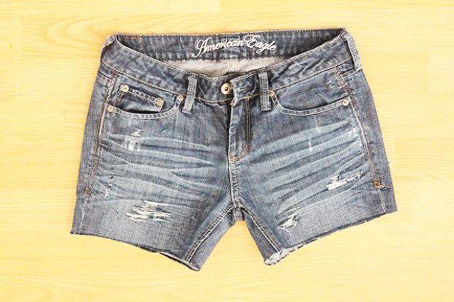 Comfy DIY Distressed Denim Shorts For Summer