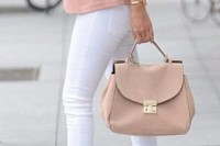 white skinnies, blush shoes, a blazer and a bag for a soft spring work outfit