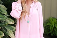 chic-and-girlish-rose-quartz-outfits-for-spring-23
