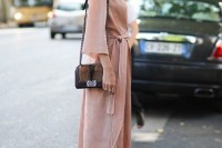 chic-and-girlish-rose-quartz-outfits-for-spring-26