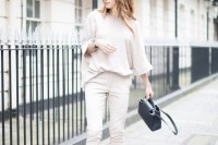 chic-neutral-work-outfits-to-recreate-right-now-16