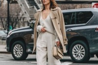 chic-neutral-work-outfits-to-recreate-right-now-17