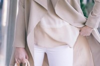 chic-neutral-work-outfits-to-recreate-right-now-23