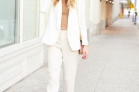 chic-neutral-work-outfits-to-recreate-right-now-26