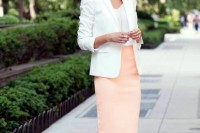 chic-neutral-work-outfits-to-recreate-right-now-28