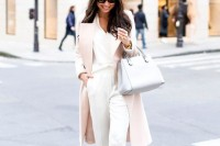 chic-neutral-work-outfits-to-recreate-right-now-30