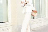 chic-neutral-work-outfits-to-recreate-right-now-8