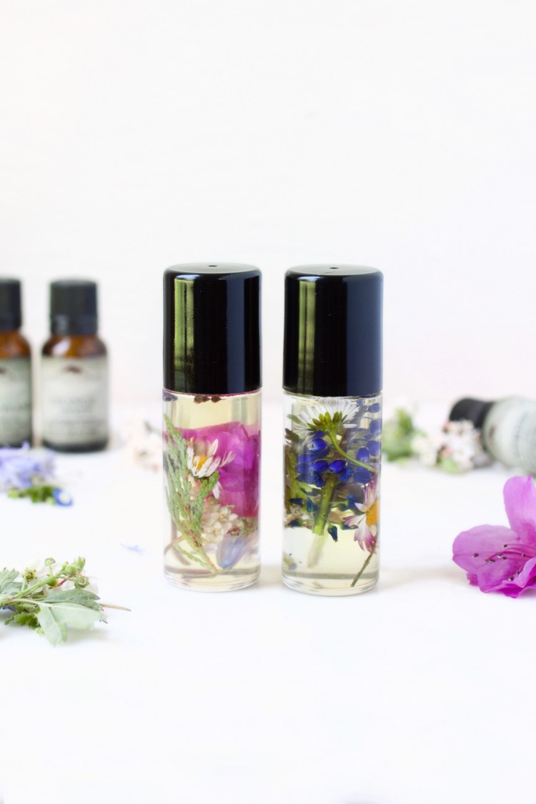 DIY Perfume Roll-On With Wildflowers Inside