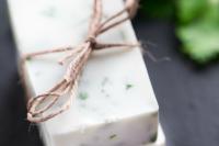 diy-refreshing-lime-cilantro-soap-4