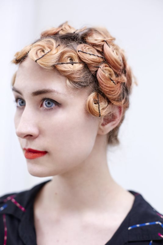 Picture Of easy diy pin curls to try  1