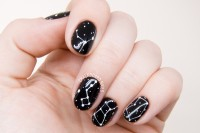 galaxy-inspired-diy-constellations-nail-art-to-try-3