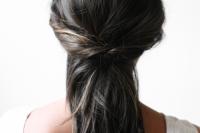5-minute-diy-half-hairstyle-make-3