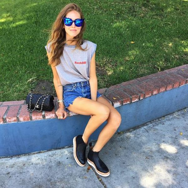 Chiara Ferragni Rocks Raw Hem Denim Shorts With A Grey Tee