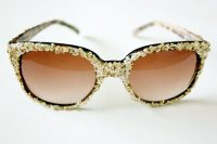 Eye-Catching DIY Glitter Sunglasses
